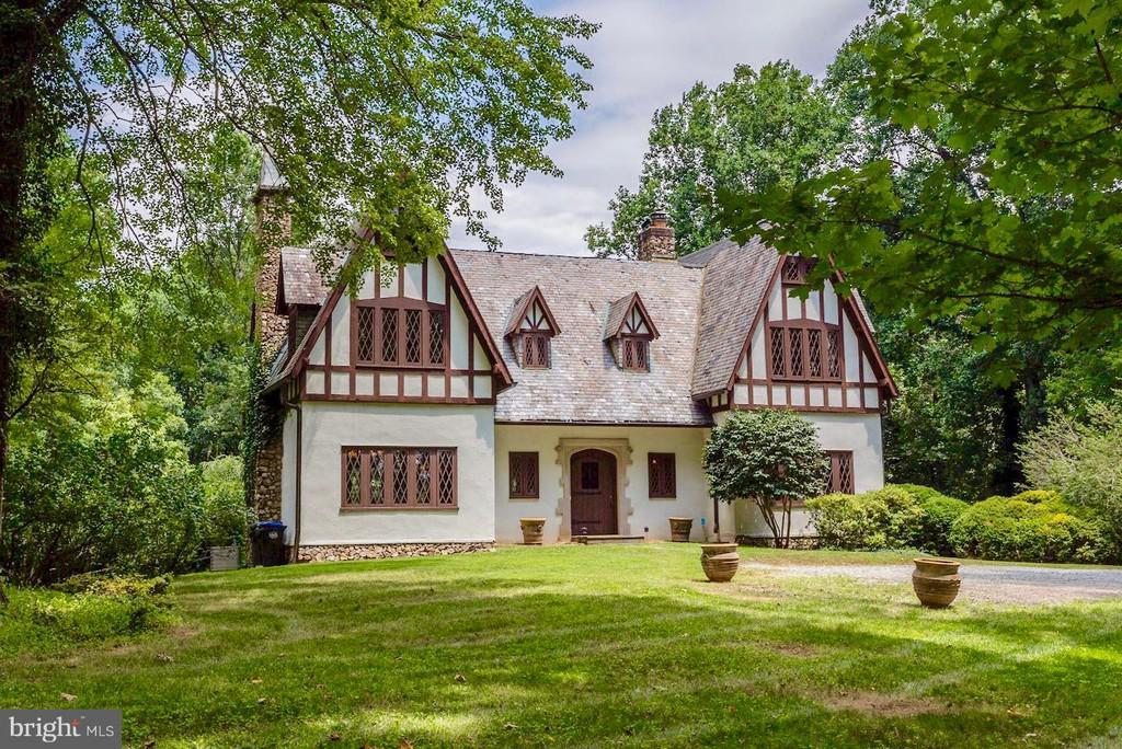 1927 Tudor In McLean Virginia