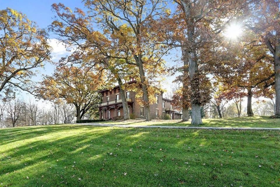 Indiana 1861 Italianate Estate