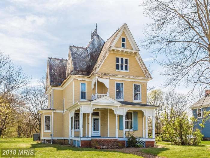 1900 Victorian In Buckeystown Maryland