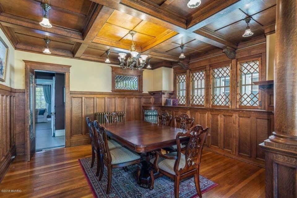1906 Victorian For Sale In Heritage Hill Grand Rapids Michigan