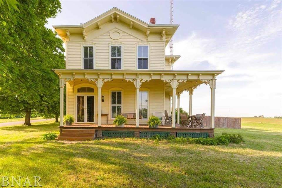 1859 Italianate In Danvers Illinois