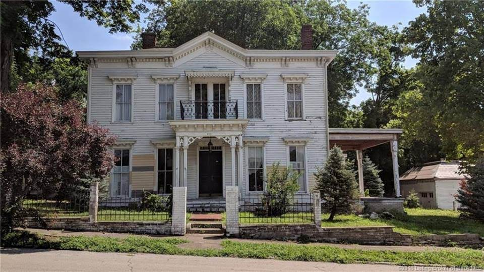 1870 Italianate Fixer Upper In Jeffersonville Indiana