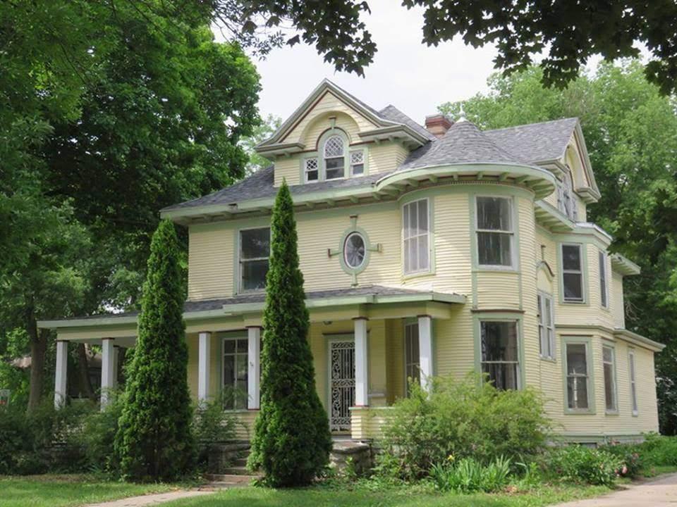1924 Victorian In Mason City Iowa