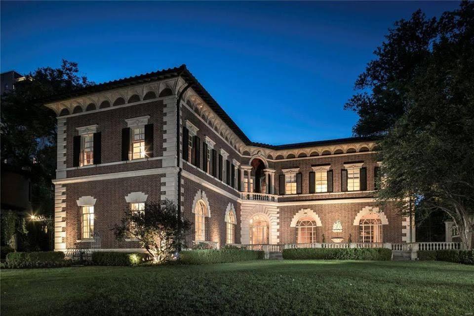 1916 Mansion In Saint Louis Missouri