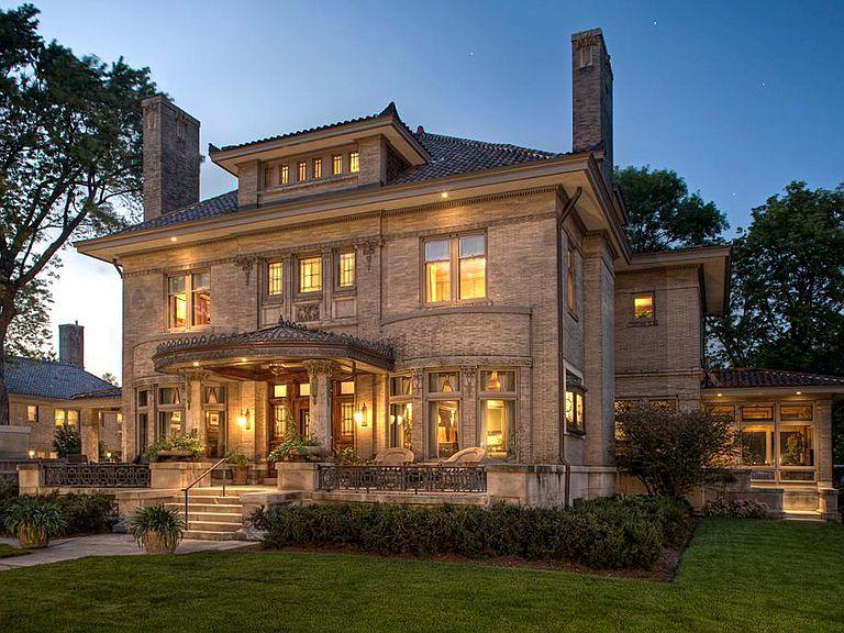 1906 Mansion In Minneapolis Minnesota