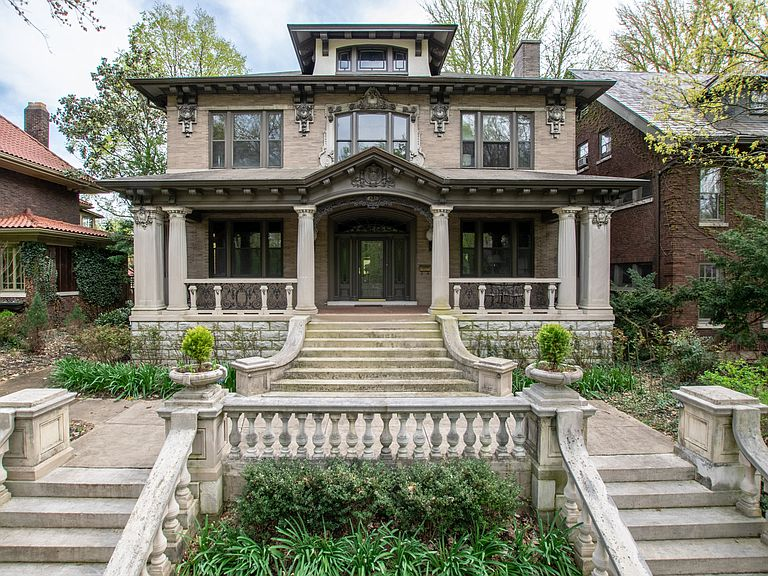 1913 Stone Mansion In Louisville Kentucky