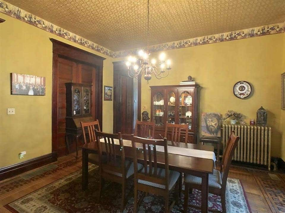 1894 Victorian For Sale In Evansville Indiana