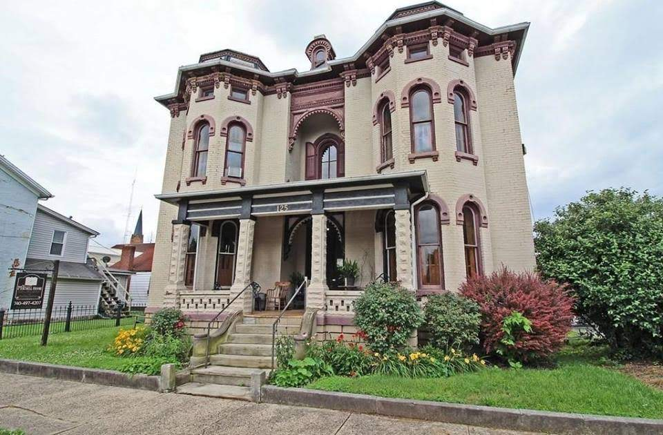 1865 The Mitchell House In Circleville Ohio
