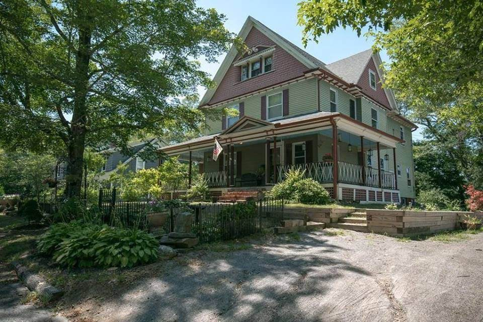 1905 Victorian In Putnam Connecticut
