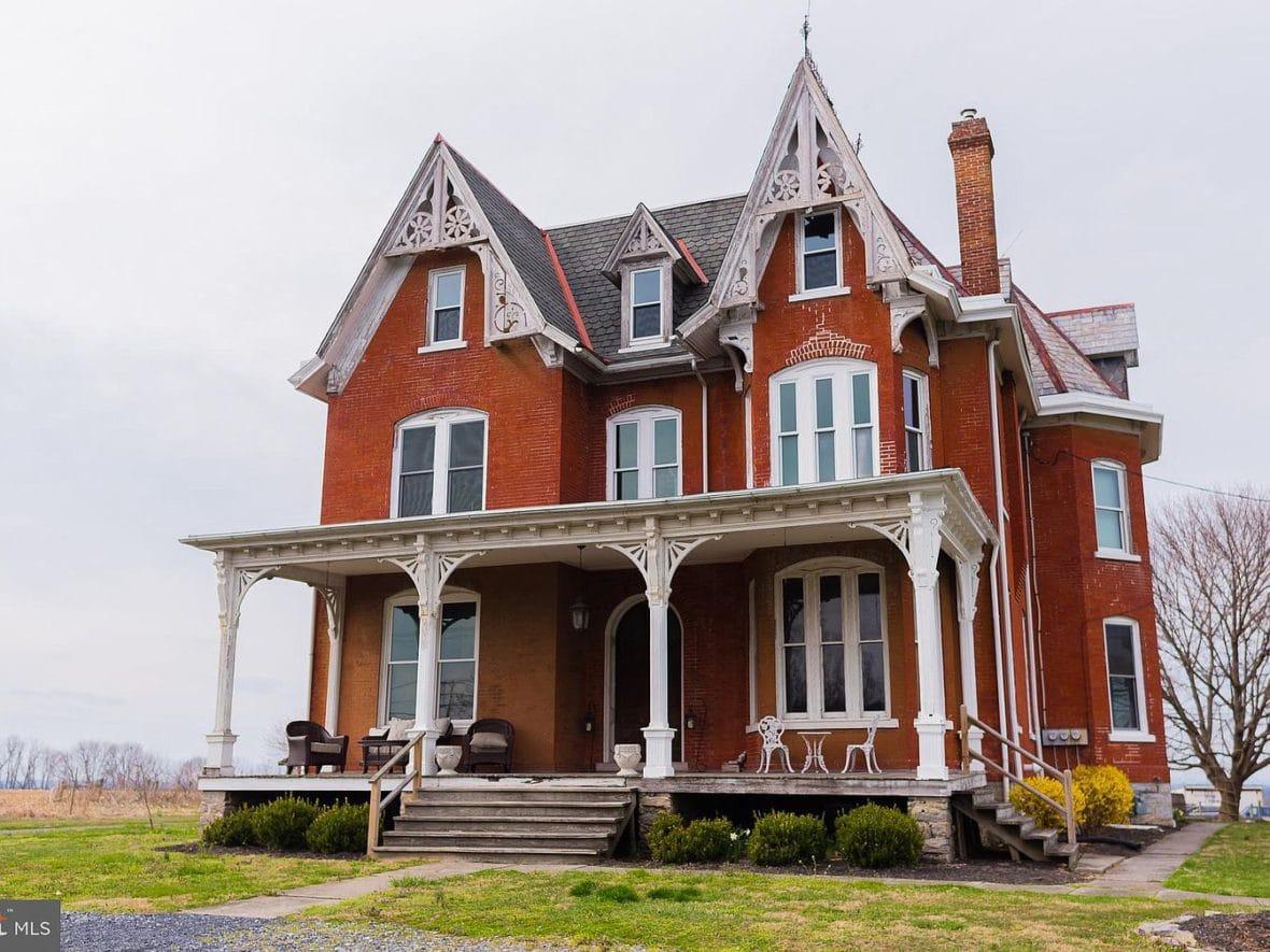 1909 Farmhouse In Willow Street Pennsylvania