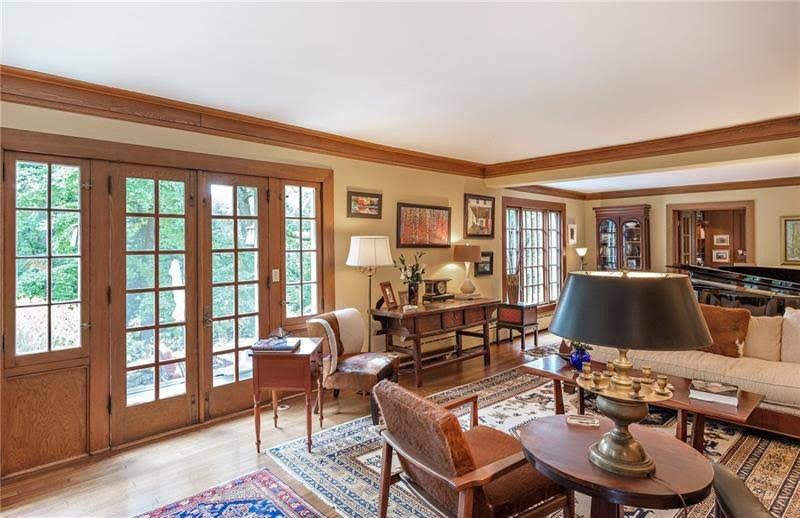 1904 Colonial Craftsman For Sale In Pittsburgh Pennsylvania