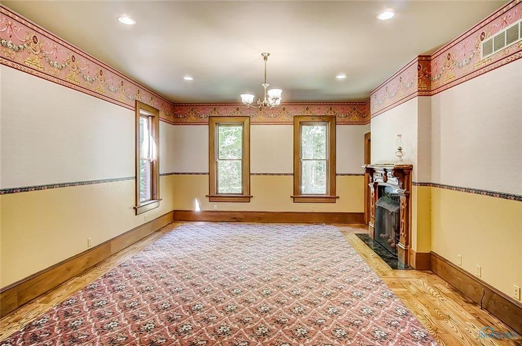 1992 Farmhouse On 36 Acres For Sale In Findlay Ohio