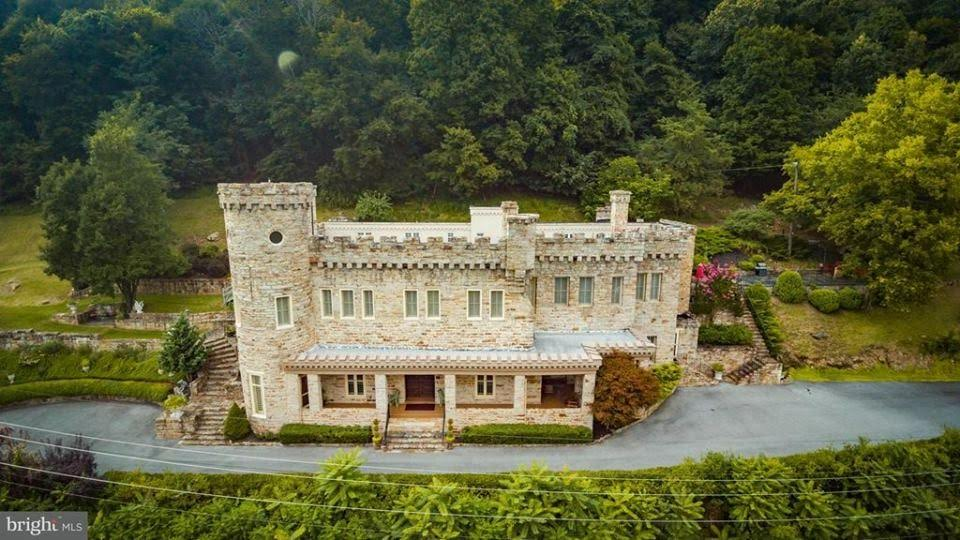 1886 Castle For Sale In Berkeley Springs West Virginia