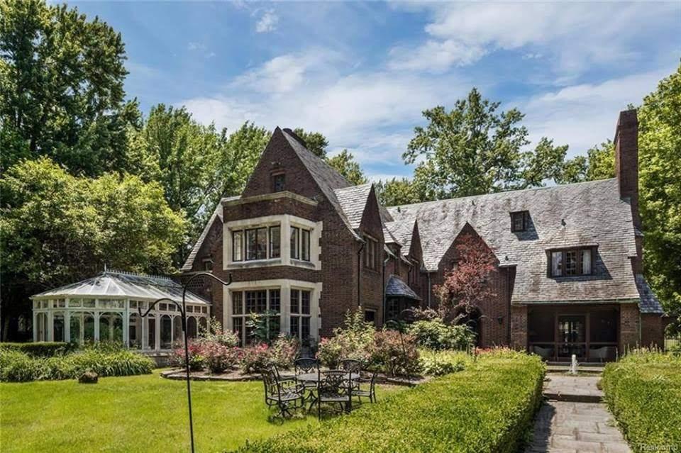 1927 Mansion In Grosse Pointe Farms Michigan