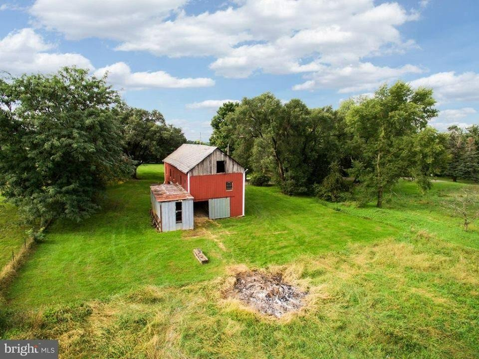 1800 Farmhouse For Sale In Smithsburg Maryland