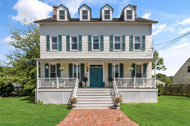 1860 Colonial In Port Monmouth New Jersey