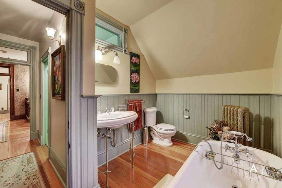 1887 Kohrs Mansion For Sale In Helena Montana