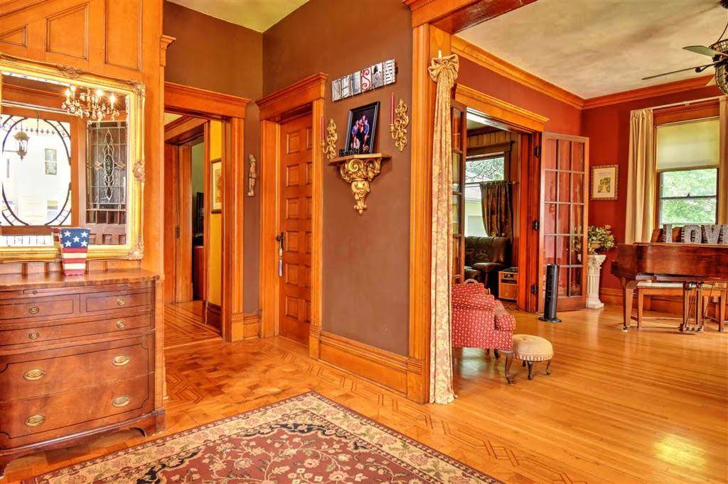 1898 Victorian For Sale In Dodgeville Wisconsin