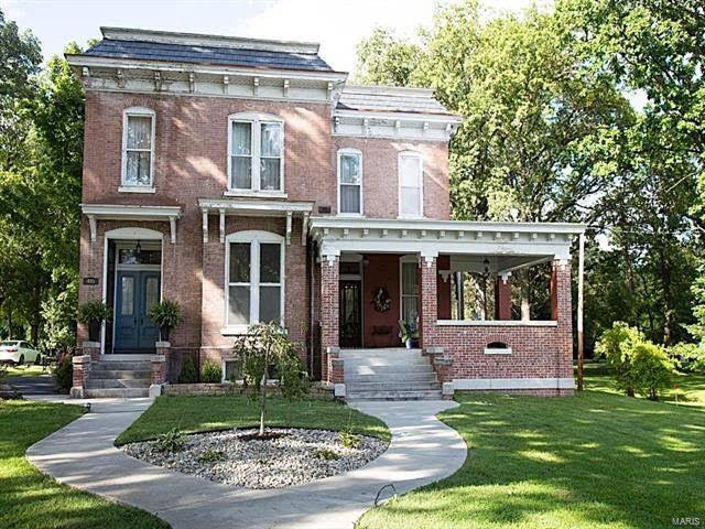 1875 Italianate For Sale In Hillsboro Illinois