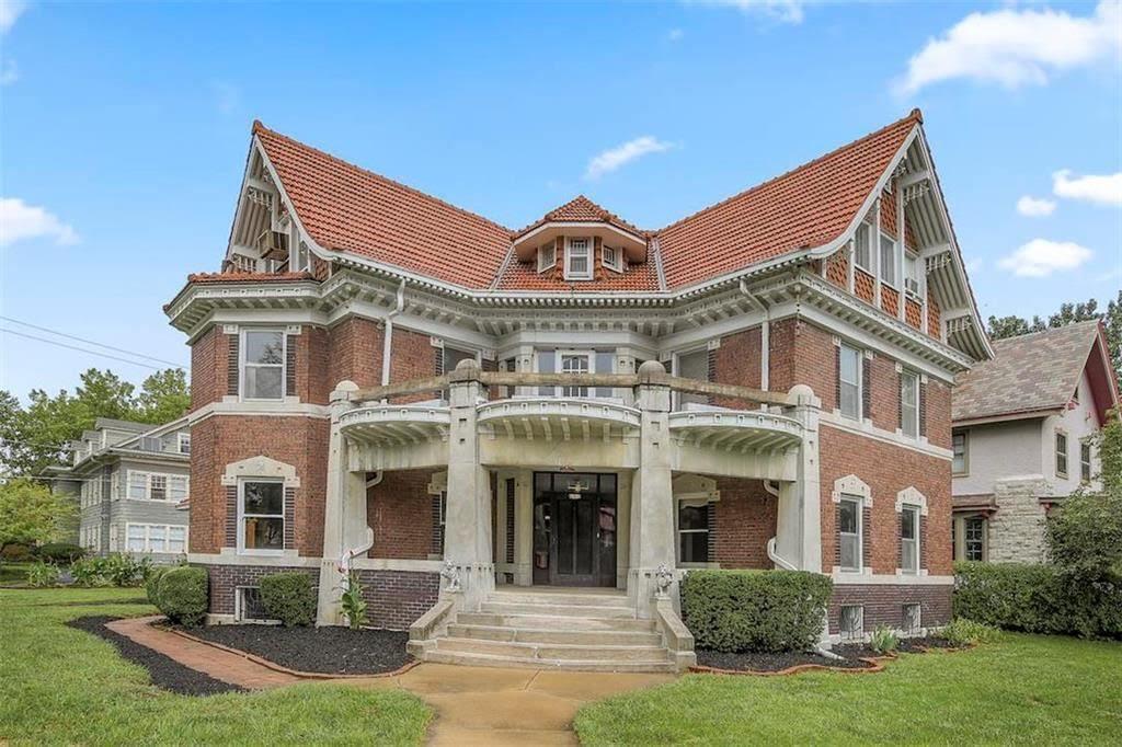 1910 Historic House In Kansas City Missouri