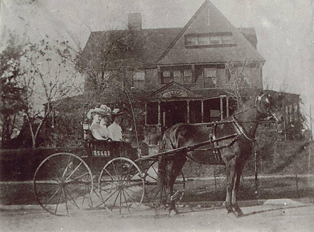 1892 Victorian For Sale In Kansas City Missouri