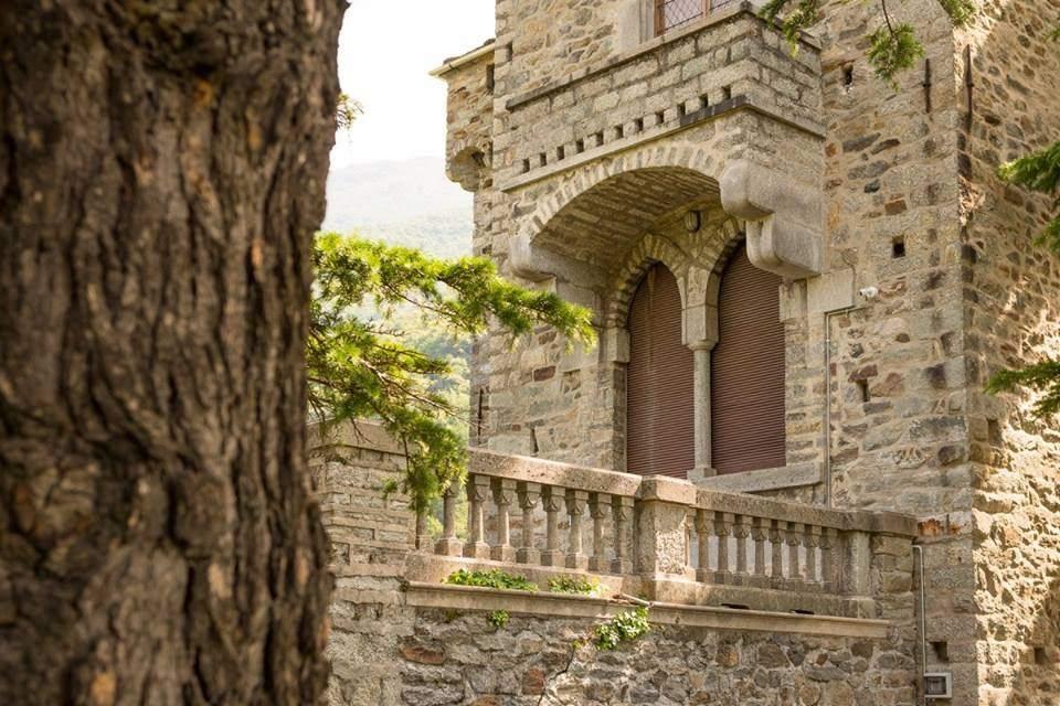 Montestrutto Castle For Sale In Turin Italy