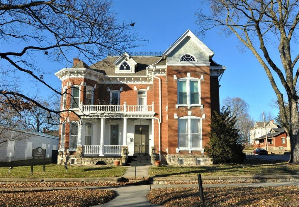 1883 Victorian For Sale In Boonville Missouri