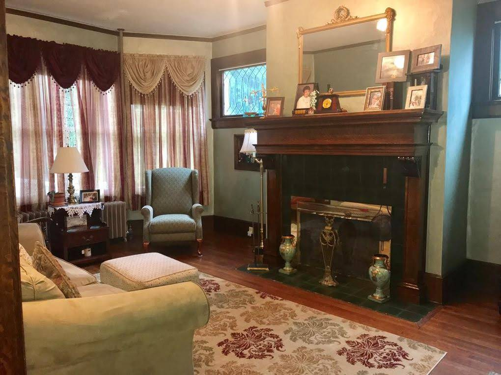 1907 Colonial Revival For Sale In Waverly New York