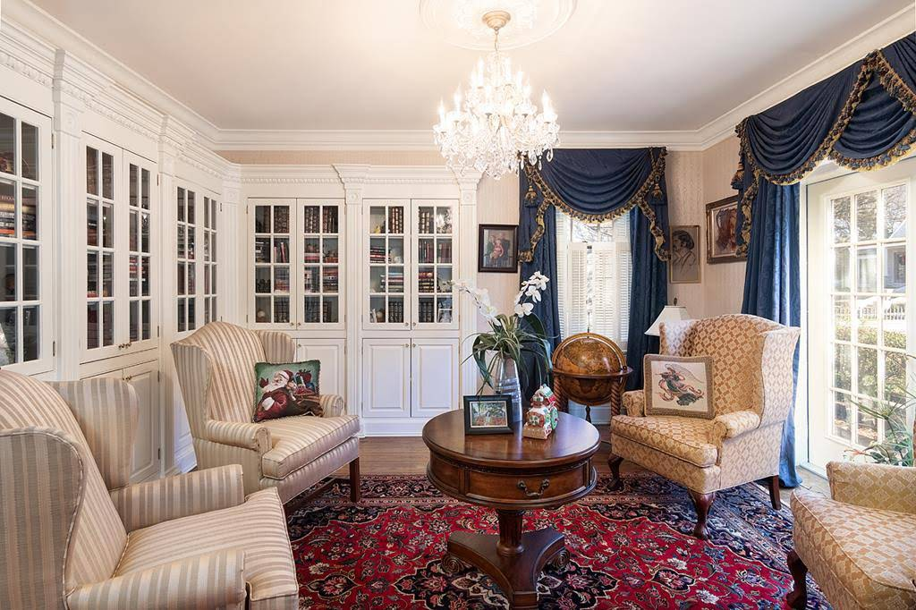 1926 Neoclassical For Sale In Oxford Mississippi