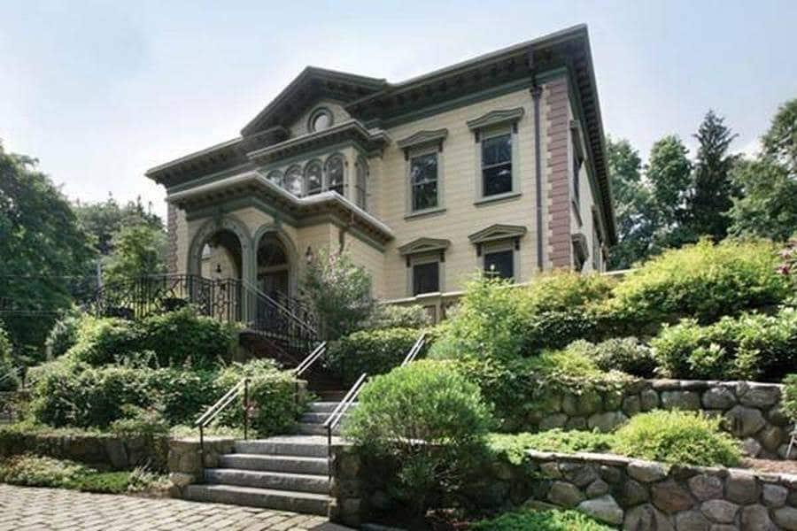 1875 Italianate In Chestnut Hill Massachusetts