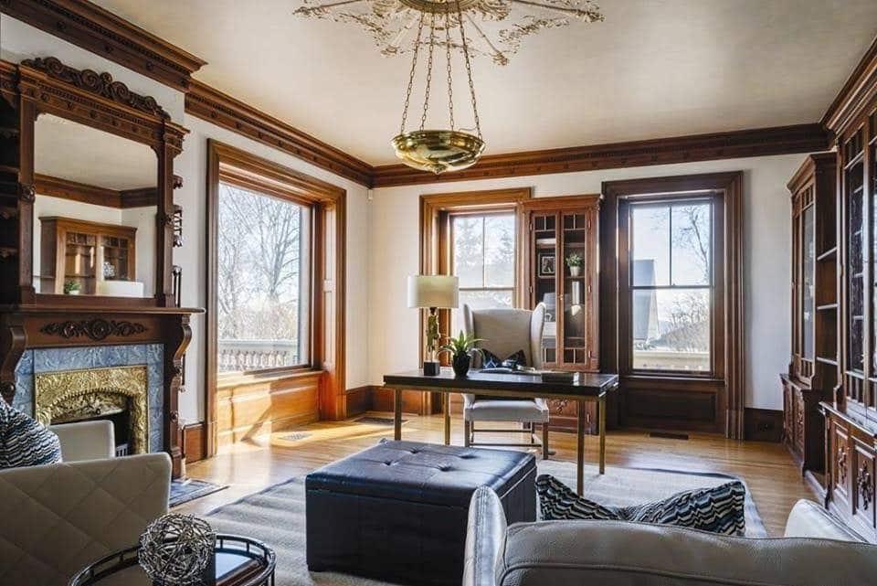 1875 Italianate For Sale In Chestnut Hill Massachusetts