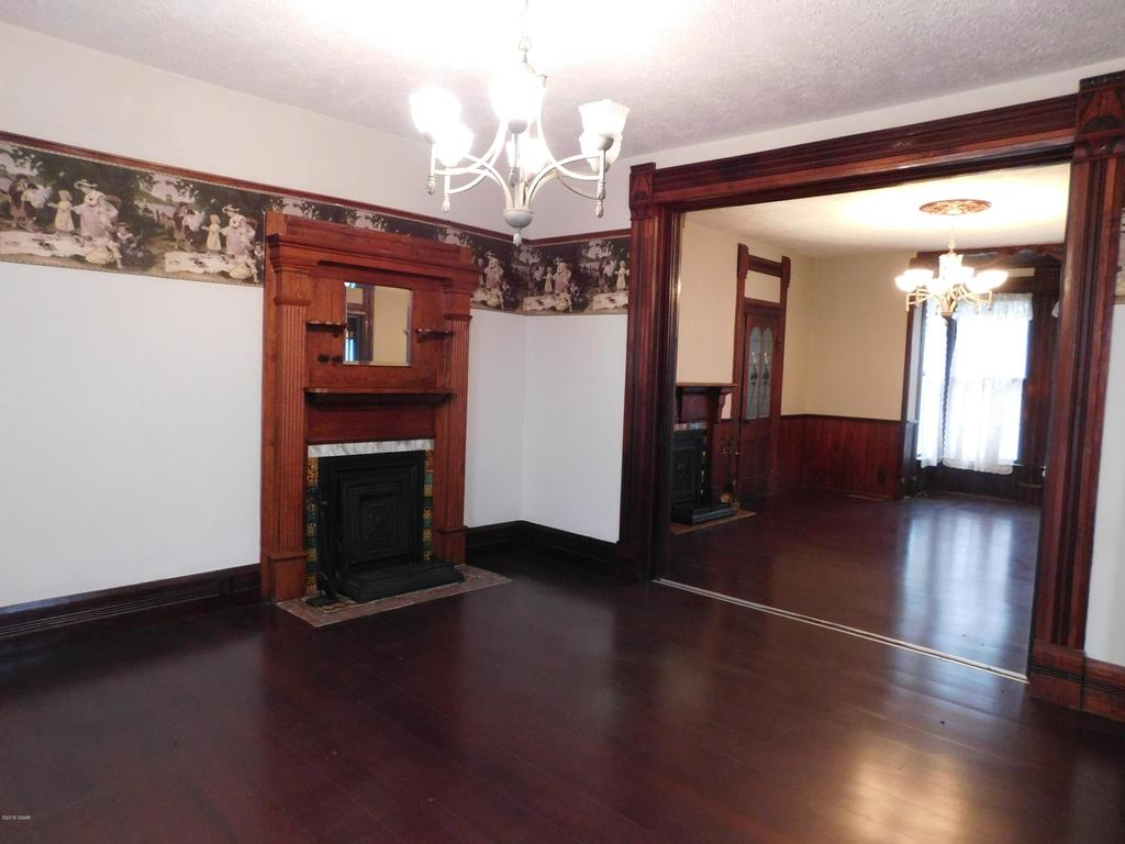 1870 Victorian For Sale In Chetopa Kansas