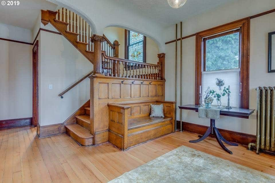 1901 Dutch Colonial For Sale In Vancouver Washington
