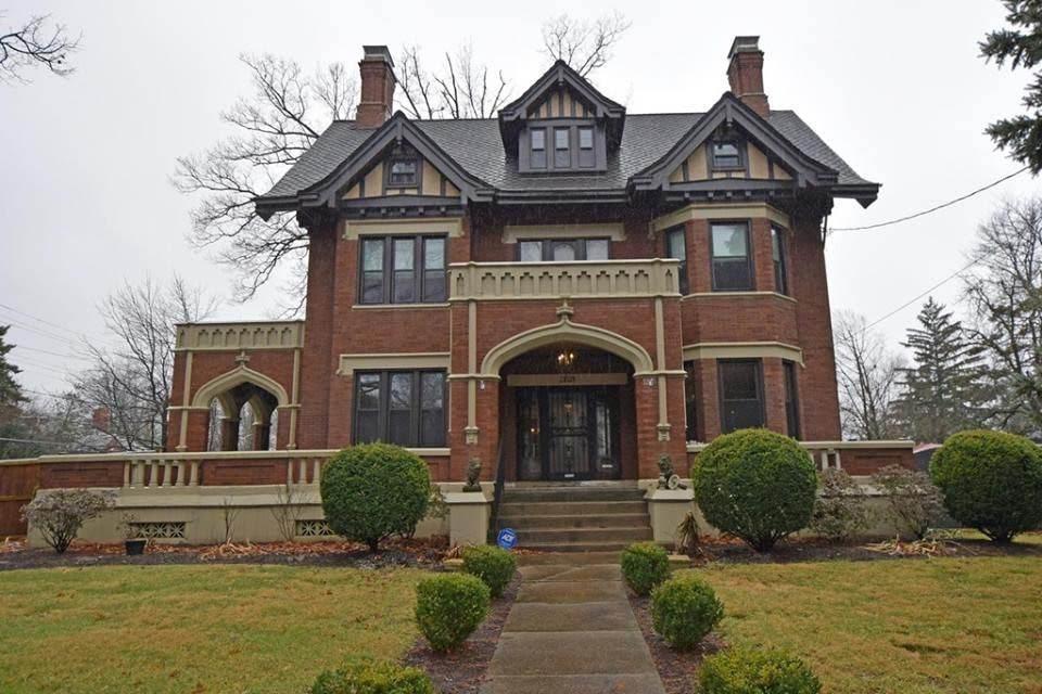 1911 Tudor Revival In Cincinnati Ohio