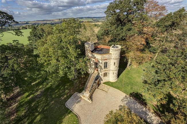 1769 Castle In Aylesbury England
