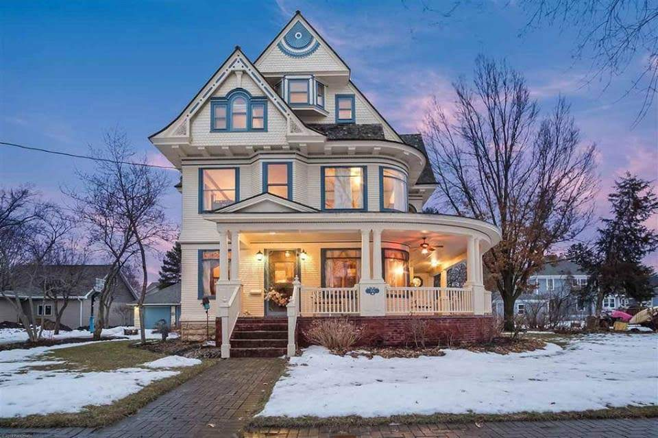 1896 Victorian In Brodhead Wisconsin