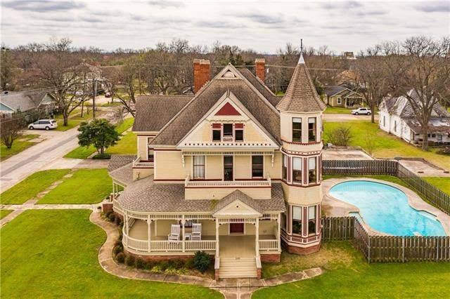 1898 Victorian In Hillsboro Texas