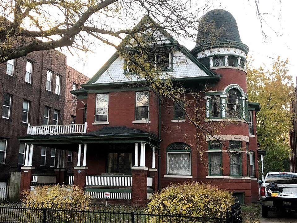 1896 Queen Anne In Peoria Illinois