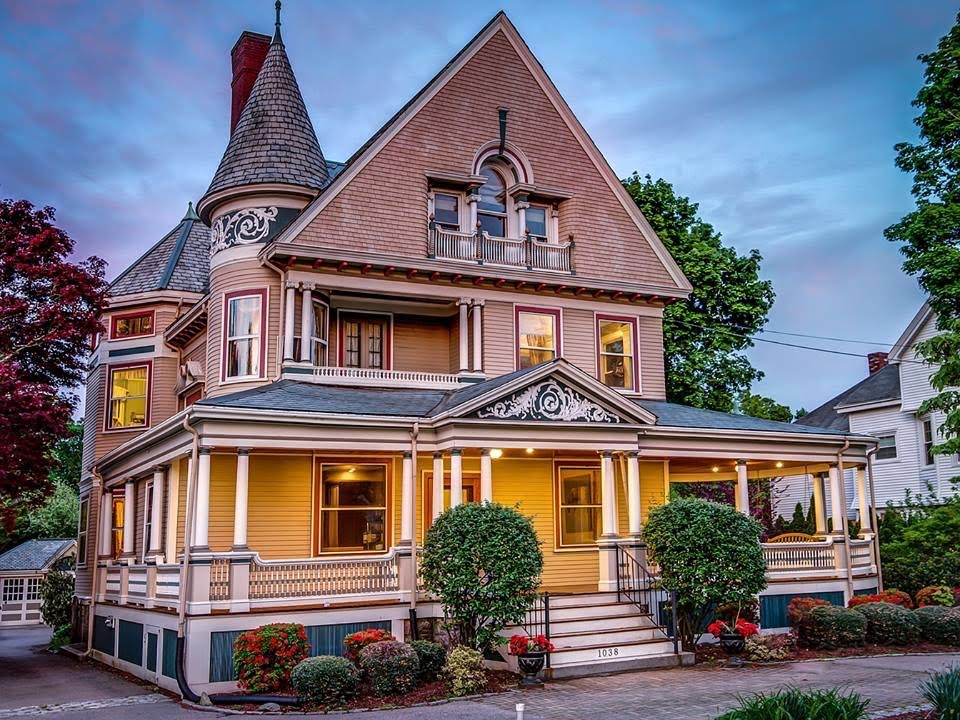1890 Victorian In Newton Massachusetts