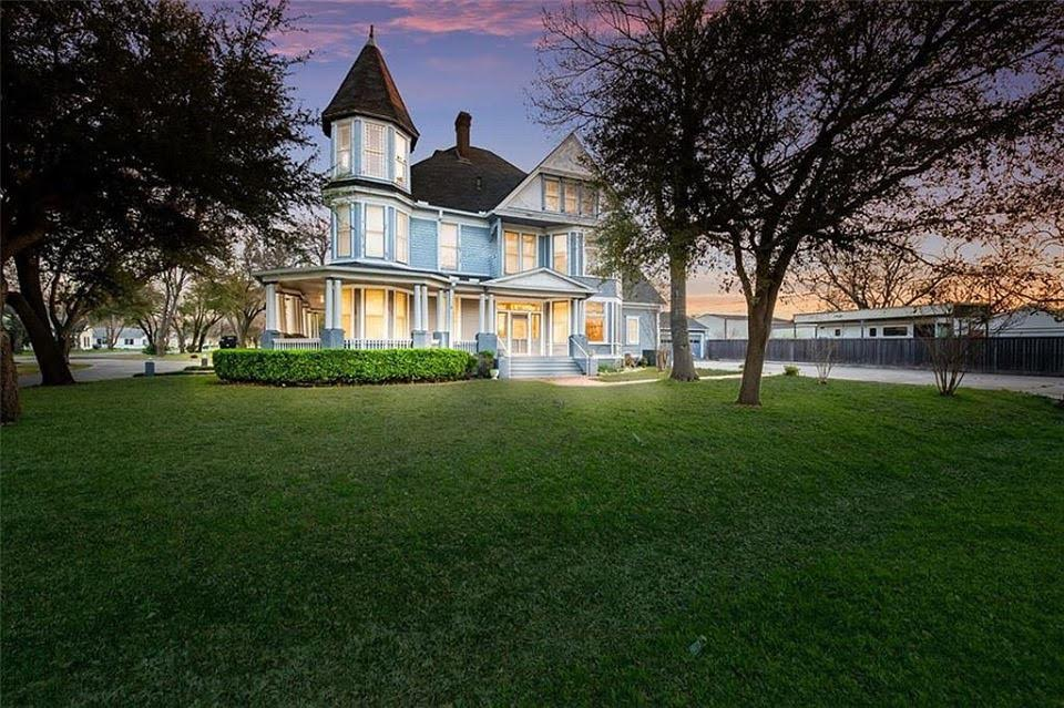 1903 Victorian In Moody Texas