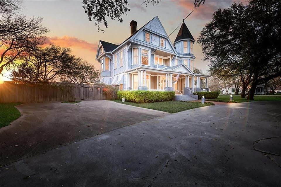 1903 Victorian For Sale In Moody Texas