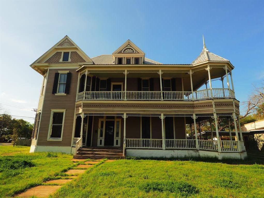 1890 Victorian For Sale In La Grange Texas