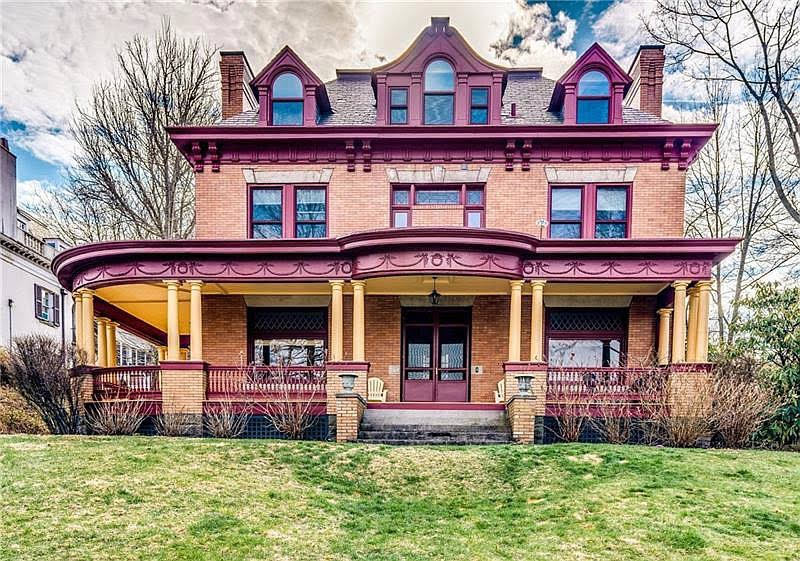 1900 Colonial Revival In Pittsburgh Pennsylvania