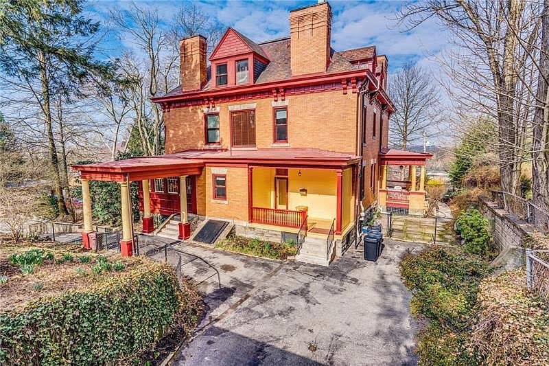 1900 Colonial Revival For Sale In Pittsburgh Pennsylvania