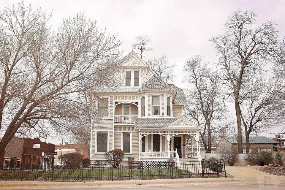 1885 Victorian For Sale In Centerville Iowa