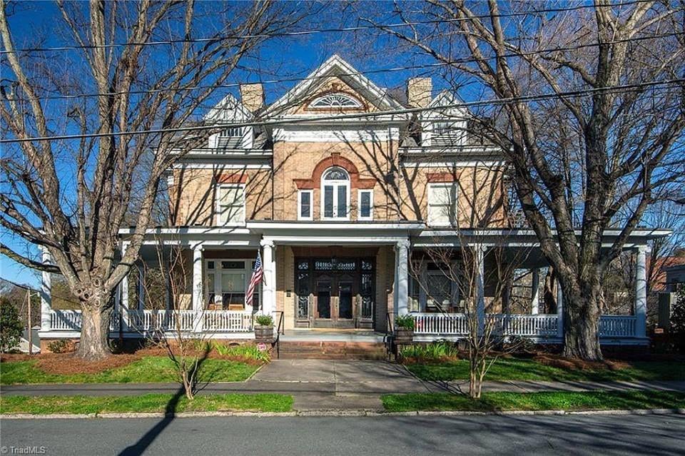 1904 Colonial Revival In Winston Salem North Carolina