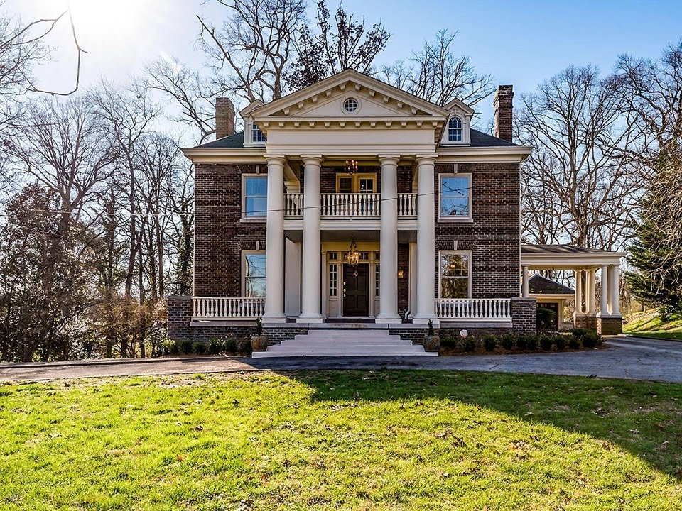 1910 Neoclassical In Knoxville Tennessee