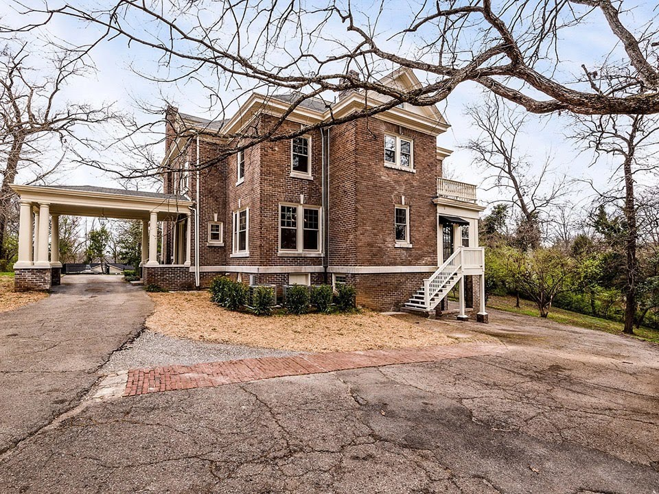 1910 Neoclassical For Sale In Knoxville Tennessee
