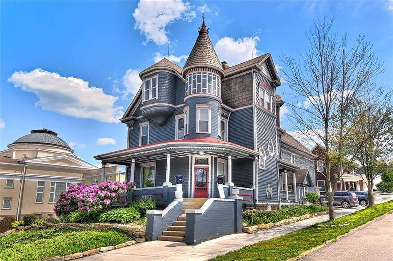 1891 Victorian In Ellwood City Pennsylvania