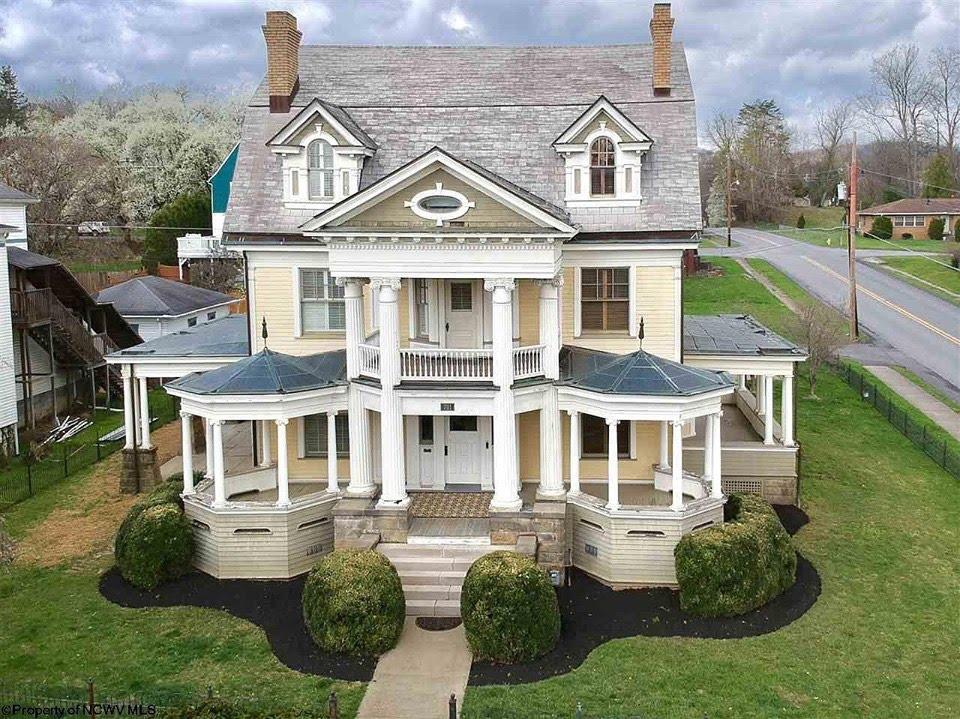 1900 Mansion In Fairmont West Virginia